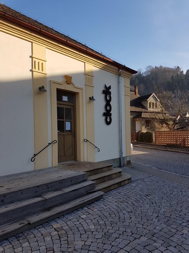 Na potulkách českými vesničkami som natrafil na robotov z pivovaru Clock