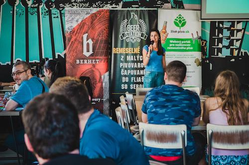 Pivný kvíz baví a vzdeláva spotrebiteľov piva – foto a video reportáž z 1. kola